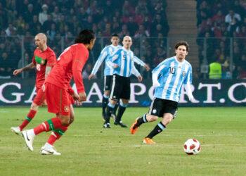 Le football contient 11 joueurs de chaque côté