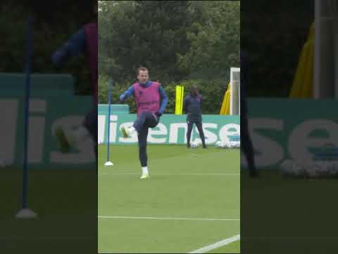 Harry Kane et l'Angleterre s'entraînent à Hotspur Way #Shorts